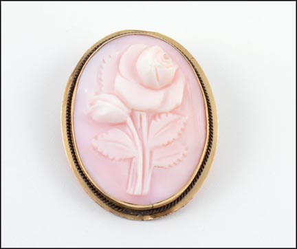 Flower Cameo Brooch or Pendant in Yellow Gold