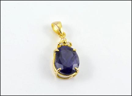 Oval Iolite Pendant in 14K Yellow Gold