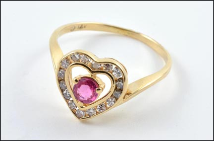 Pink Sapphire Heart Ring in 14K Yellow Gold