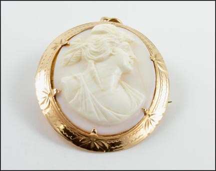 Cameo Brooch or Pendant in 10K Yellow Gold LARGE