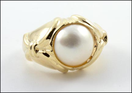 Mabe' Pearl Ring in 14K Yellow Gold LARGE
