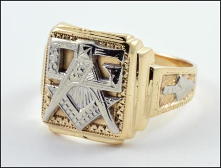 Masonic Ring in 10K Yellow Gold LARGE