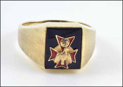 Knights of Columbus Ring in 10K Yellow Gold_LARGE