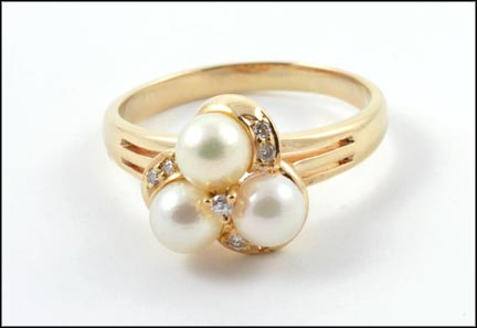 Pearl and Diamond Cluster Ring in 14K Yellow Gold LARGE