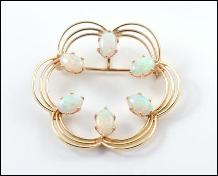 Scalloped Circle Opal Brooch in 14K Yellow Gold LARGE