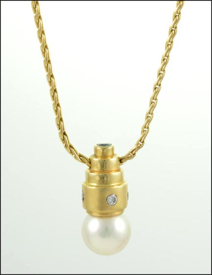 Pearl and Diamond Necklace in 14K Yellow Gold LARGE