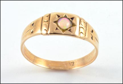 Opal Band in Yellow Gold LARGE
