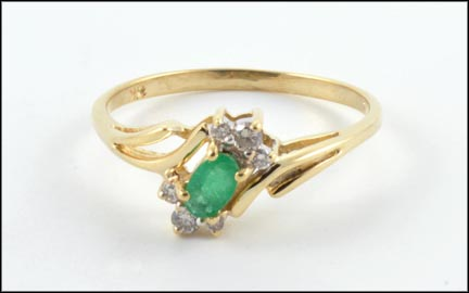 Emerald and Diamond Ring in 14K Yellow Gold_LARGE