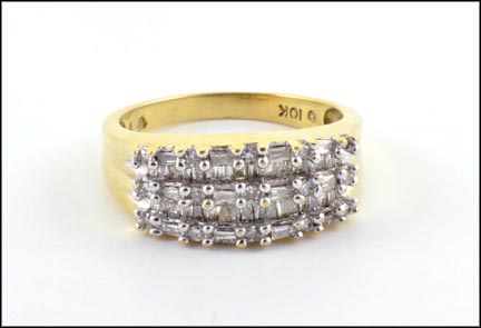 Diamond Ring in 10K Yellow Gold LARGE