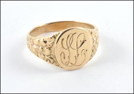 Baby Signet Ring with Monogram in 14K Yellow Gold LARGE