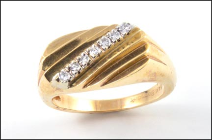 Ring with Diamonds in 14K Yellow Gold LARGE