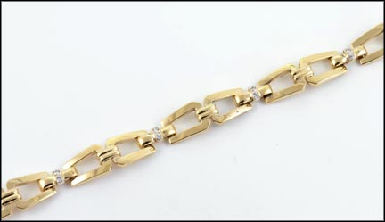 Diamond Link Bracelet in 14K Yellow Gold_LARGE
