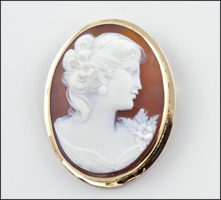 Cameo Pin or Pendant in 14K Yellow Gold LARGE
