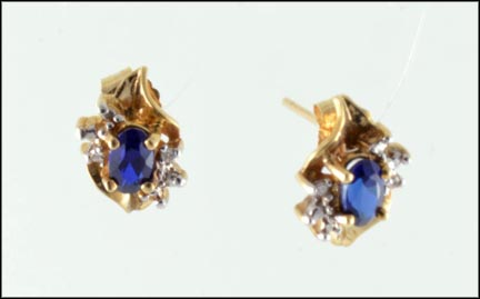 Iolite Stud Earrings in 10K Yellow Gold_LARGE