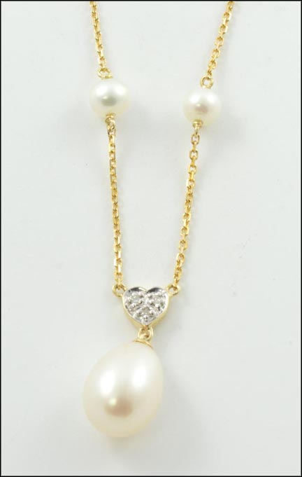 Pearl Station Necklace in 14K Yellow Gold_LARGE