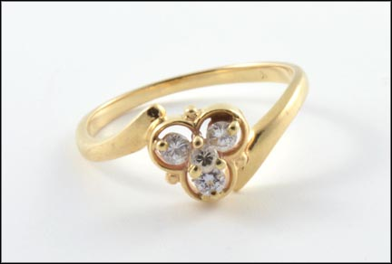 Diamond Cluster Ring in Yellow Gold LARGE