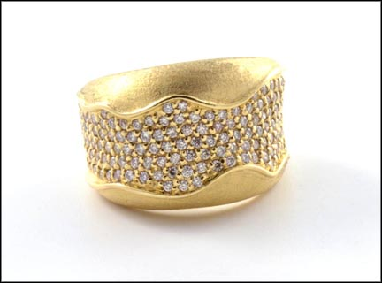 Pave' Diamond Band in 14K Yellow Gold_LARGE