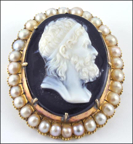 Stone Cameo and Natural Pearl Pin or Pendant in Yellow Gold LARGE