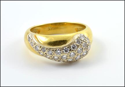 Women's Diamond Ring in 18K Yellow Gold