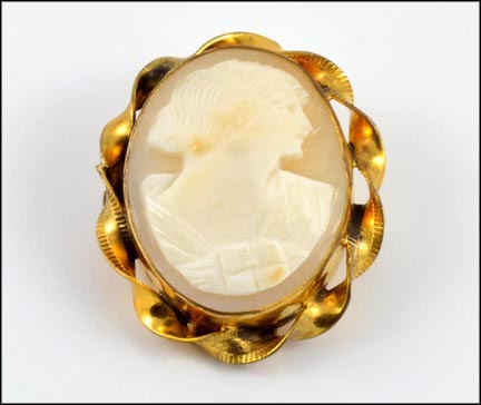 Cameo Brooch with Twisted Rim in Gold Filled