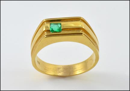 Men's Emerald Stone Ring in 18K Yellow Gold