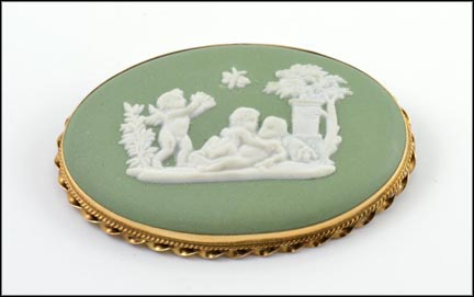 Framed Wedgwood Cameo in 14K Yellow Gold