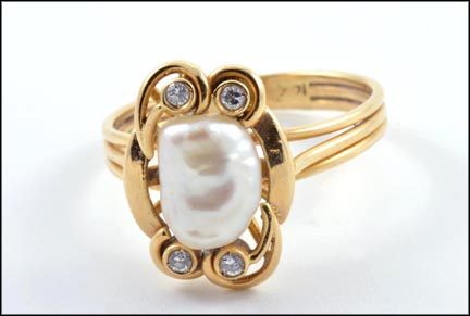 Freshwater Pearl Ring with Diamonds in 14K Yellow Gold