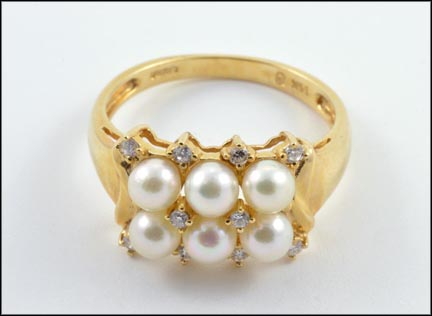 Pearl and Diamond Cluster Ring in 14K Yellow Gold