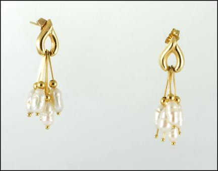 Freshwater Pearl Dangle Earrings in 14K Yellow Gold_LARGE