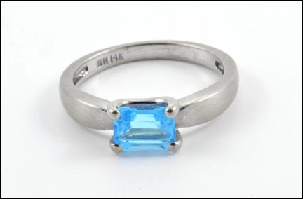 Blue Topaz Ring East-West in 14K White Gold