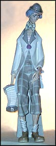 Clown With Concertina, Lladro Figurine  #1027