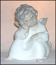 Angel Thinking - matte, Lladro Figurine  #4539M MAIN