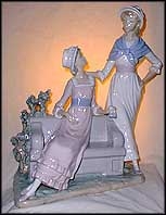Ladies Talking, Lladro Figurine  #5042 MAIN