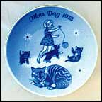 Cat And Kittens Collector Plate by Gunnar Bratlie