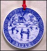 1989 The Old Skating Pond, Royal Copenhagen Annual Ornament MAIN