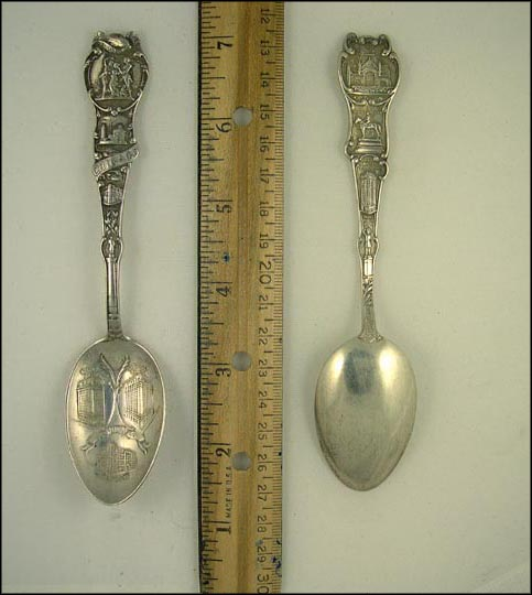 Fort Dearborn Massacre, Fort Dearborn, City Hall, Douglas Monument... Souvenir Spoon