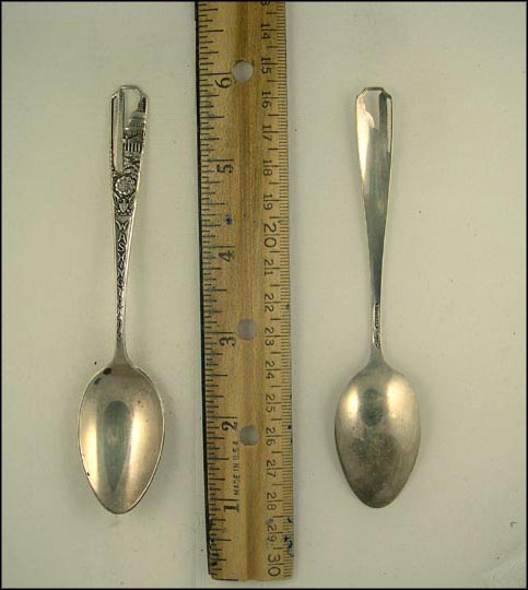 Cut Out of the Washington Monument and The Capitol, Washington, District of Columbia Souvenir Spoon MAIN