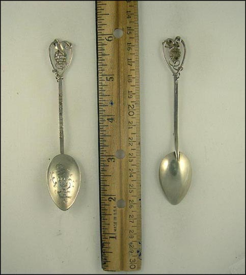 Cut Out Grapes, Fresno, California Souvenir Spoon