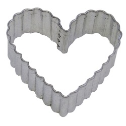 "Fluted Heart Cookie Cutter - 3-1/2""_LARGE"