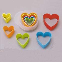 Plastic Cutter Set - Heart LARGE