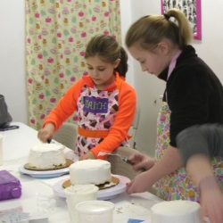 Cake Decorating 101 for Kids - June 29, 2016
