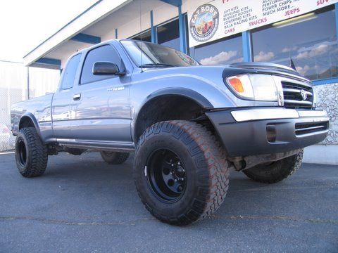 "Fat Bob's Garage, Part # 41300-AAL, Toyota Tacoma 3"" Lift Kit with Rear Add A Leafs 4WD/2WD* 1996 - 2004 (6-lug)"