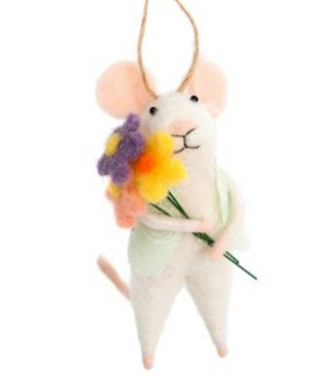 Mouse with Bouquet