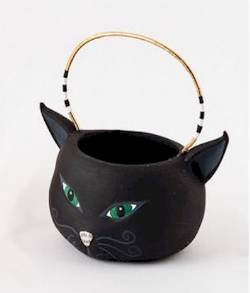 Black Cat Basket THUMBNAIL