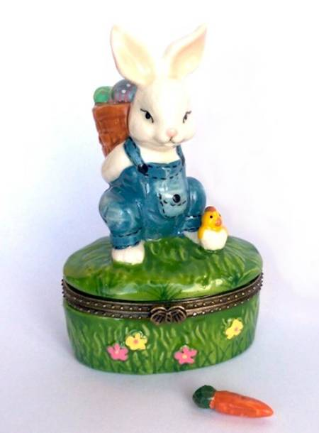Bunny Carrying Eggs Hinged Box