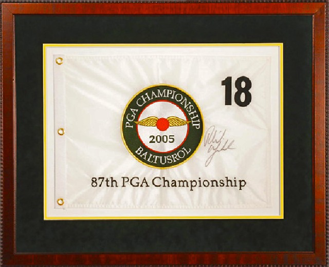PGA Pin Flag Autographed_MAIN