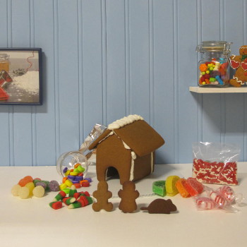 Mouse Gingerbread House Kit - Assembled