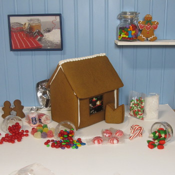 Traditional Gingerbread House Kit - Assembled