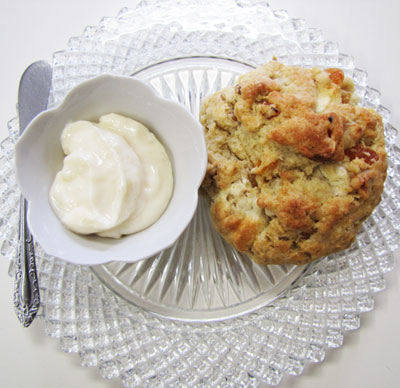 Homemade Scones & Lemon Curd
