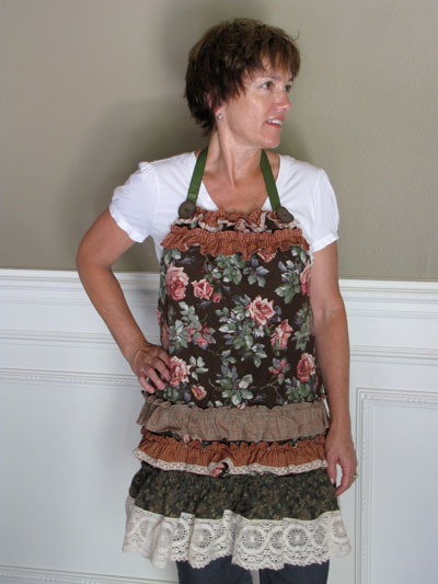 Piecemakers Country Parlour Apron Kit_MAIN
